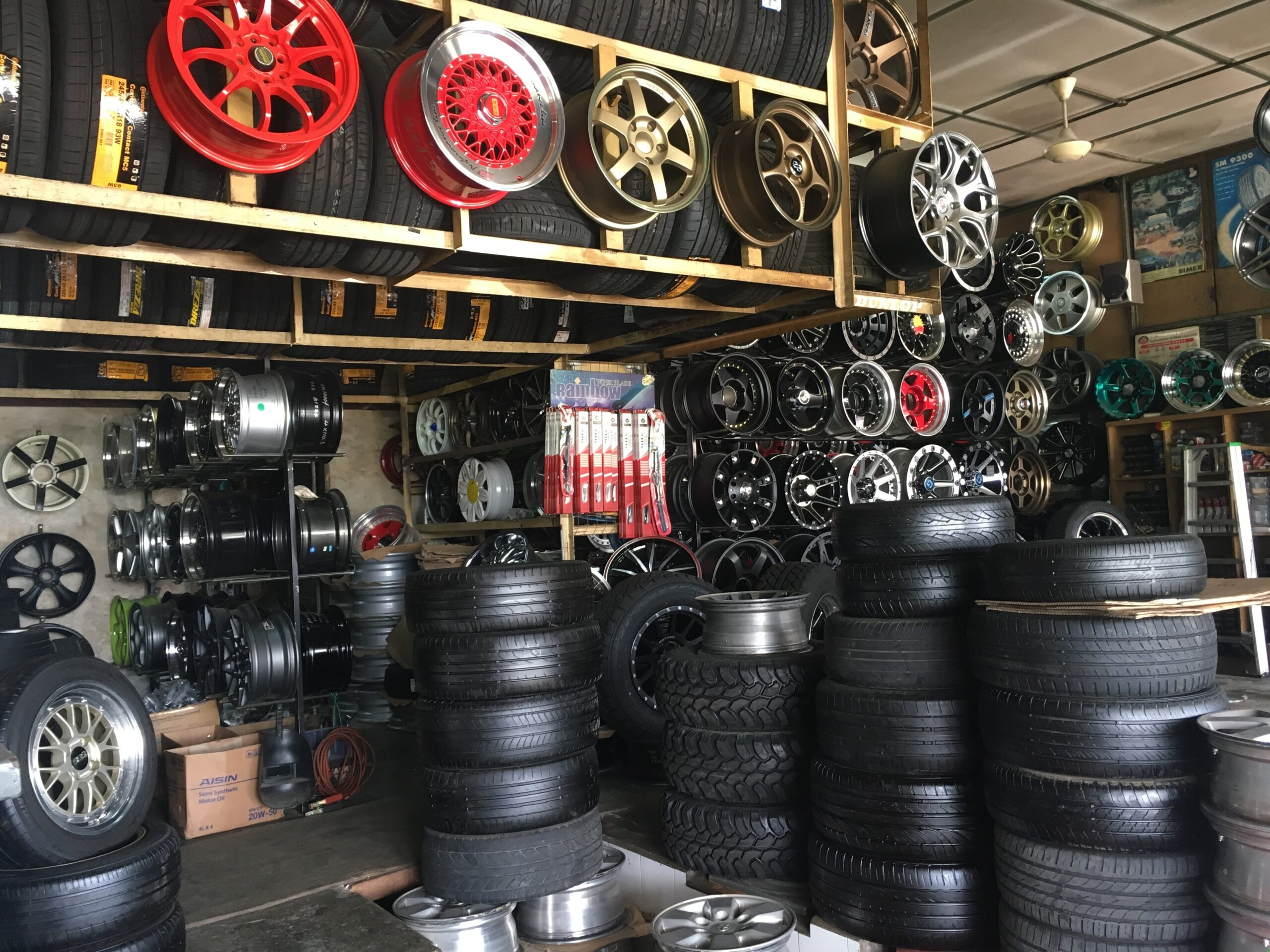 imagem de Revendedoras de autopeças e pneumáticos